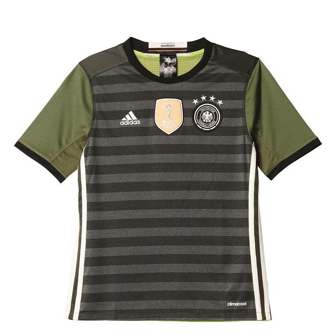 DFB Deutschland Kinder Trikots mit ★★★★★-Beflockung günstig im BILD Shop sichern! Das Heim und Auswärts-Trikot sicher bestellen Günstig kaufen Online DFB Deutschland Trikots.